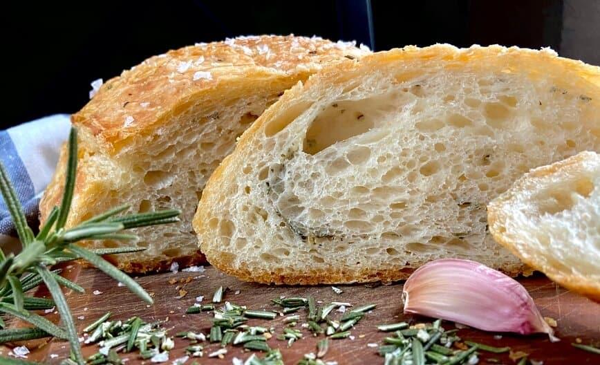 How to make homemade bread (Photo by Viana Boenzli)