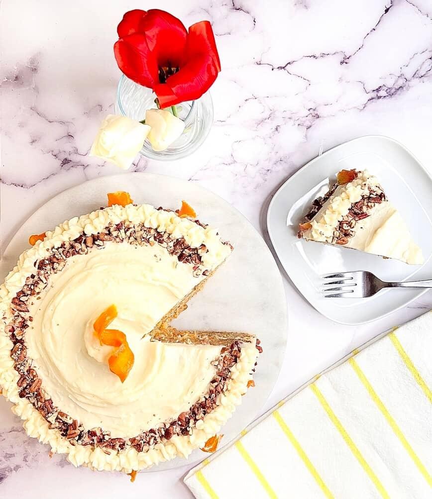 Hummingbird Carrot Cake (Photo by Viana Boenzli)