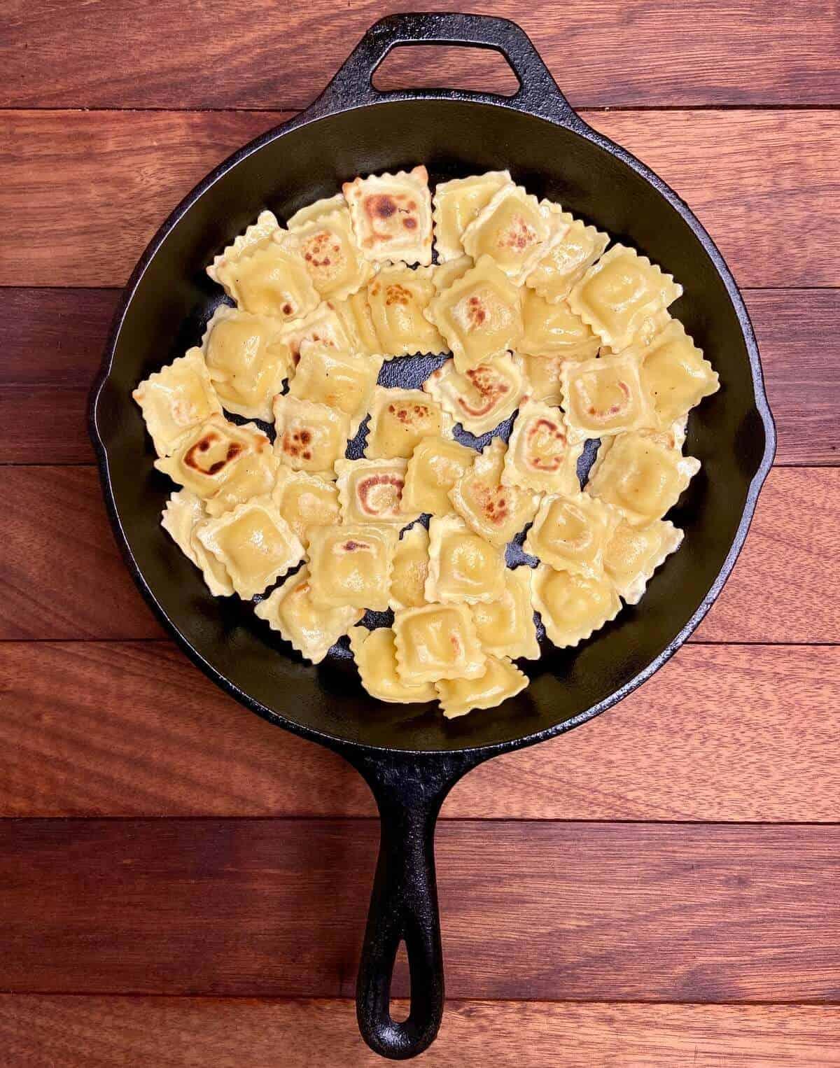 Crispy Ravioli Formaggi (Photo by Viana Boenzli)